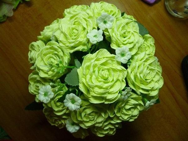 Cách làm hoa hồng giấy đáng yêu tặng bạn gái 9
