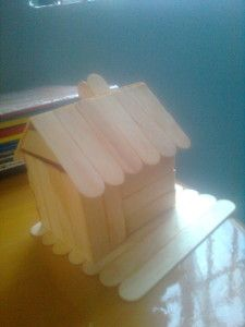 Dán cố định ngôi nhà lên nền nhà