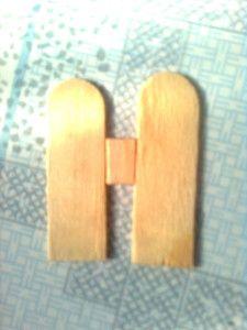 Tận dụng các mẩu gỗ vụn để tạo phần tường nhà