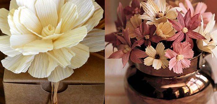 Trang trí hộp quà dễ thương với những bông hoa làm từ vỏ ngô khô