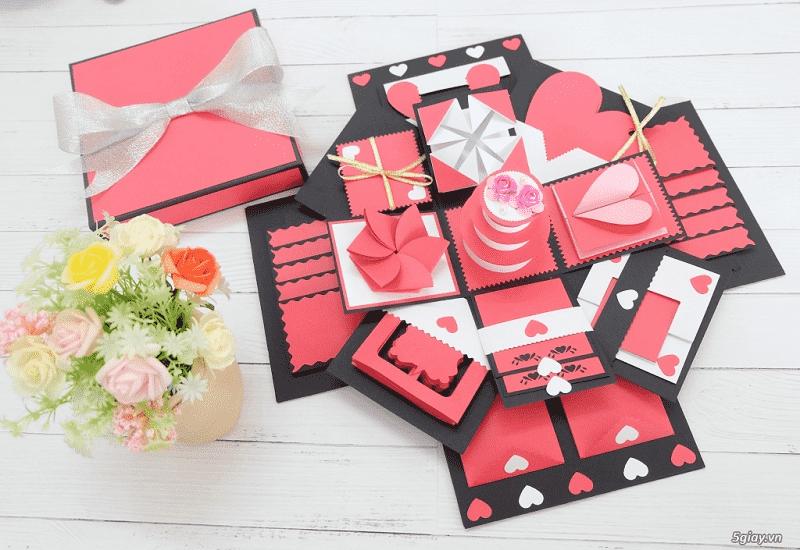 Scrapbook giúp cặp đôi lưu giữ những kỷ niệm quý giá