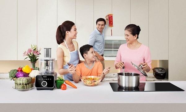 Tặng mẹ một bữa cơm gia đình đoàn viên