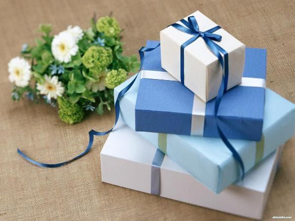 10 món quà tặng bạn gái ngày sinh nhật ý nghĩa và ít tốn kém