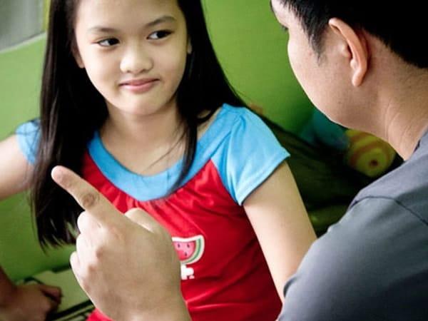 Dạy trẻ biết cách lên tiếng khi có người lạ xâm hại vào vùng nhạy cảm