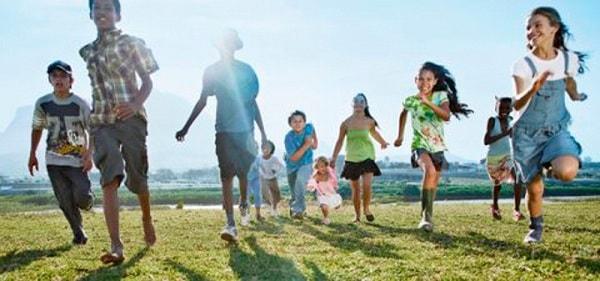 Tham gia các hoạt động ngoại khóa rất có ích cho trẻ