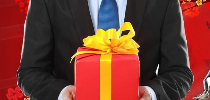 Cách chọn quà biếu sếp dịp Tết vừa ý nghĩa vừa tiết kiệm
