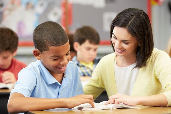 Gia sư nên tạo thiện cảm với học sinh ngay từ buổi dạy đầu tiên