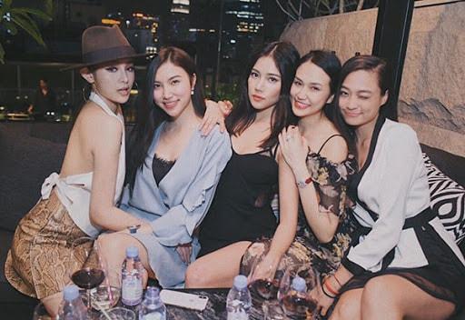 Hội bạn toàn hotgirl của vợ Tuấn Hưng - Thu Hương